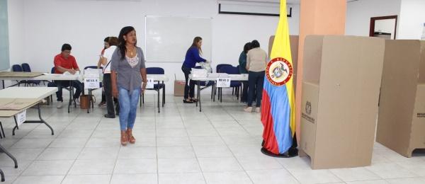Consulado de Colombia en Oranjestad inició jornada final del proceso electoral en el exterior para Congreso y consultas interpartidistas 2018