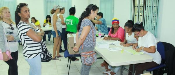 Último día de votaciones presidenciales empezó en Oranjestad